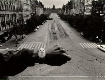 Miradas de una nación sin memoria: Josef Koudelka y la invasión soviética a Praga en 1968.